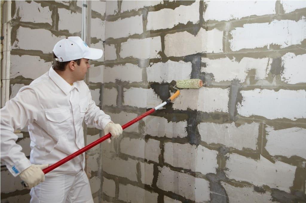 Подготовка стен (грунтовка)